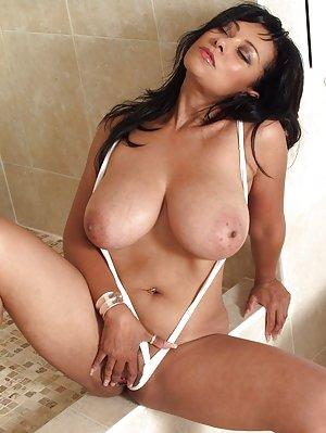 Free Amateur Tit Pics Porn