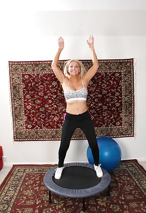 Free Yoga Pants Porn