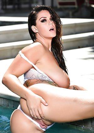 Free Big Tits Outdoor Porn